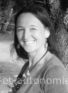 Emmanuelle Philippo,  une intervenante dans les stages Sens et autonomie, association LESA