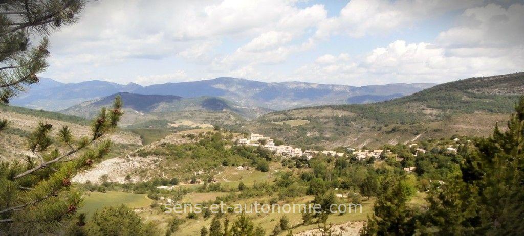 Village Eourres Hautes Alpes, coordonnées sens et autonomie LESA